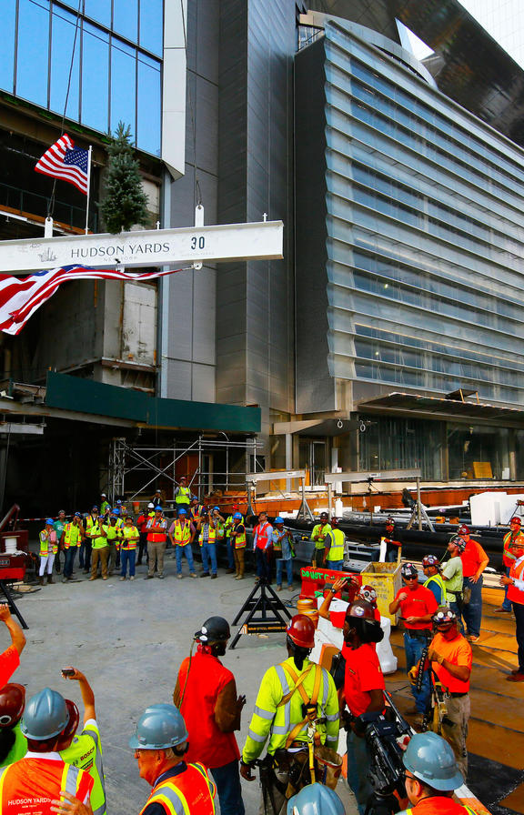 Image preview - 30 Hudson Yards Topping Out - Beam Begins Ascent